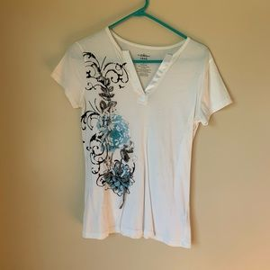 Izod white Bedazzled T shirt